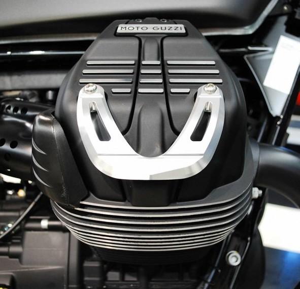 Zylinderkopfabdeckungen, Aluminium, silber für Moto Guzzi V7 III / V9 Bobber / Roamer