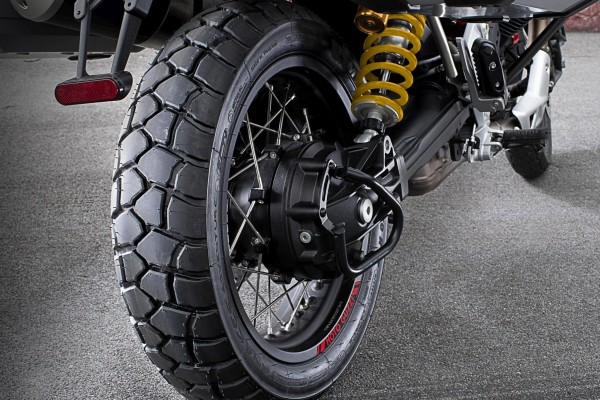 Sport Adventure Reifen hinten Michelin Moto Guzzi V85 TT